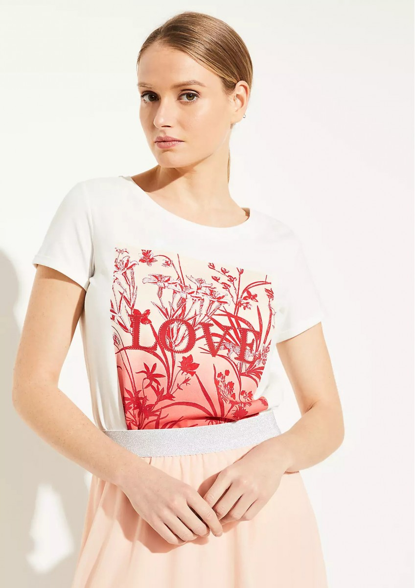 Женская футболка с аппликацией